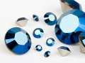 Chatons von Swarovski Elements (Crystal-Metallic Blue Multi Size Mix)